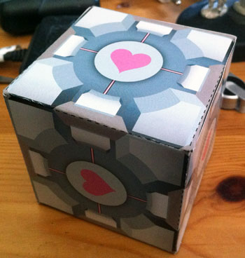 Papp-Companion-Cube
