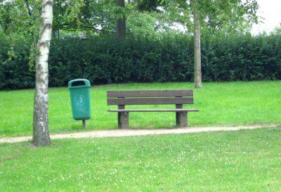 Parkbank im Flensburger Carlisle-Park (Autor: Hedwig von Ebbel)