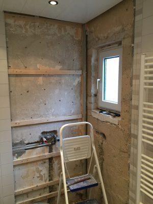 Hier war mal eine Dusche (und kommt auch wieder eine hin)