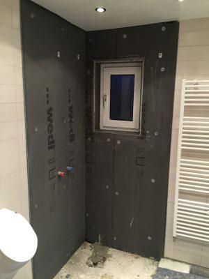 Die Dusche nimmt Form an